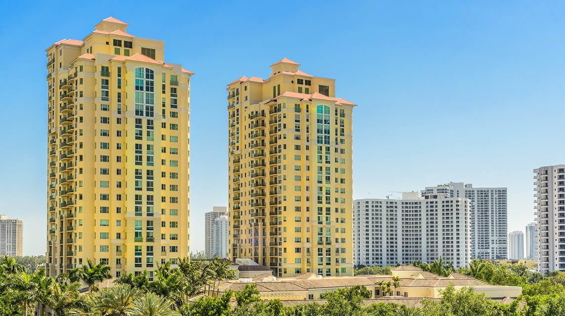 Vi at Aventura, exterior building towers